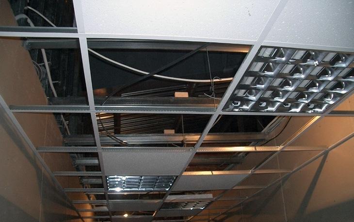 Подвесной потолок армстронг, в чём его популярность