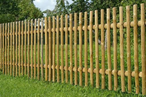 Забор из бревен – как строили предки