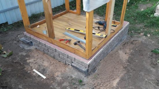 Как построить дачный туалет с комфортом