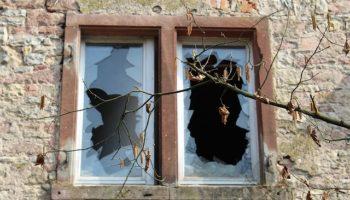 Как вставить стекло в окно – делаем самостоятельно