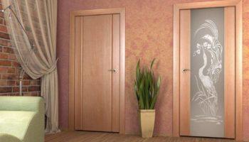 Стекла для межкомнатных дверей – помощь тем, кто их разбил