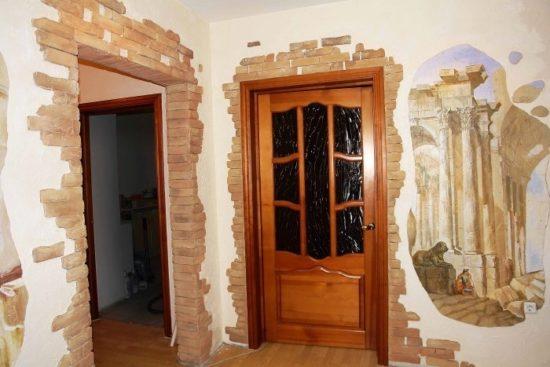 Отделка дверных проёмов декоративным камнем