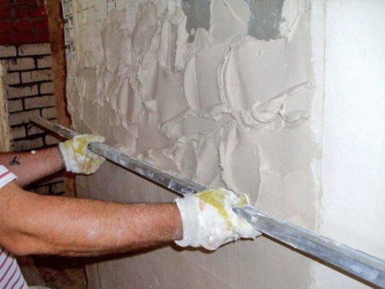 Выравнивание стен с использованием строительных смесей