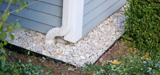 Как сделать дренаж фундамента своими руками, чтобы дом был сухим в любое время года?