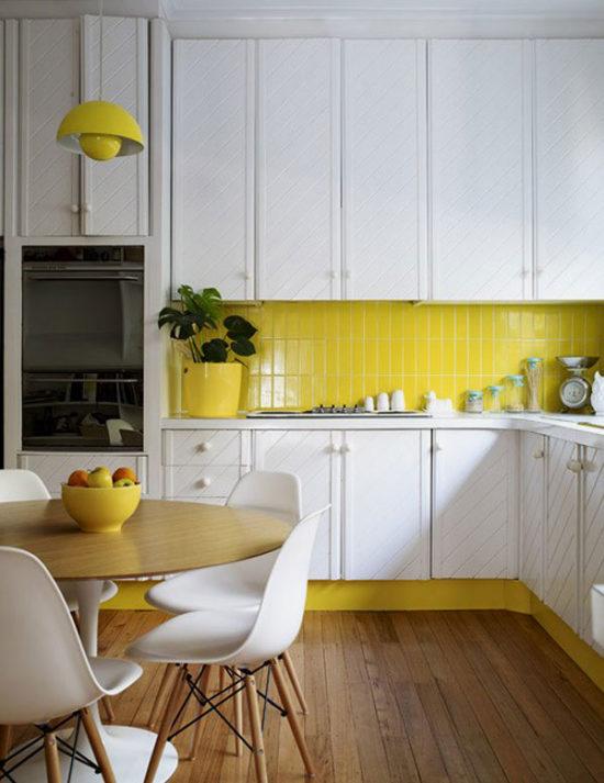 Плитка для кухни белая годится только как фон?
