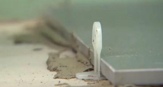 Выкладываем плитку в санузле